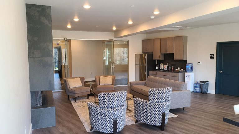 Lititz Springs Apartments - Resident Lounge - Residential Property